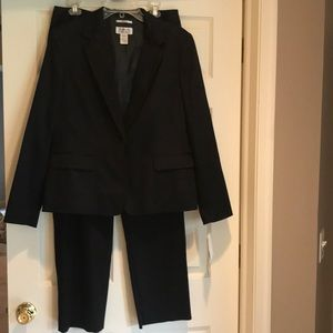 Brand New Style &Co suit black pants 12 &blazer 14